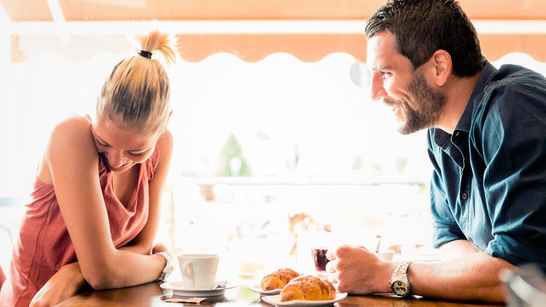 pareja joven cita online ligar